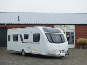 SWIFT CHALLENGER 584 bj.2018, TOP STAAT, QUEENSBED ZAKLUIFEL