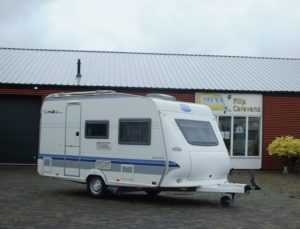 HOBBY De luxe Easy 400 SF bj.2004, NIEUWSTAAT, met MOVER